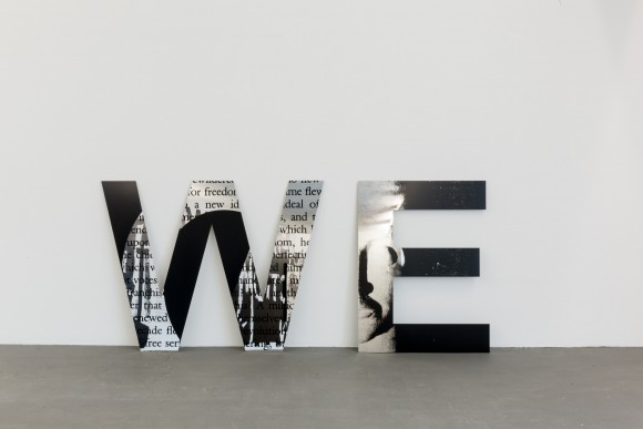 Adam Pendleton, WE (we are not successive), 2015, face Installationsansicht KW Institute for Contemporary Art, 2017, Courtesy der Künstler und Pace Gallery, New York; Foto: Frank Sperling
