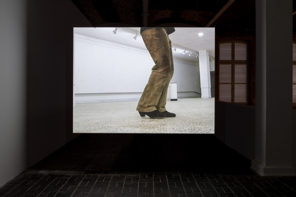 Hiwa K, Moon Calendar, Iraq, 2007, Single-channel SD Video, Installation view KW Institute for Contemporary Art, 2017, Photo: Frank Sperling