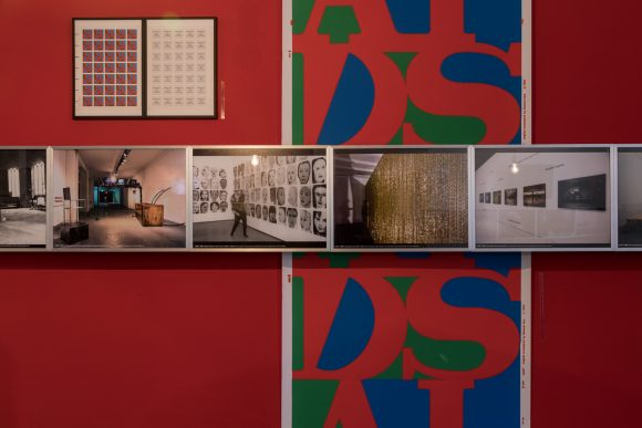 Installationsansicht in der Ausstellung <i>TIES, TALES AND TRACES. Dedicated to Frank Wagner, Independent Curator (1958–2016)</i>, KW Institute for Contemporary Art, Berlin, 2019, Foto: Frank Sperling