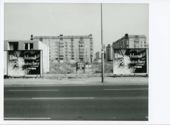<p>Katharina Sieverding, <em>Deutschland wird deutscher</em>, 1993, im Rahmen der Ausstellung Katharina Sieverding. <em>Deutschland wird deutscher</em> der Kunst-Werke Berlin, 1993; Courtesy die Künstlerin; Foto: Jens Ziehe</p> <p></p>