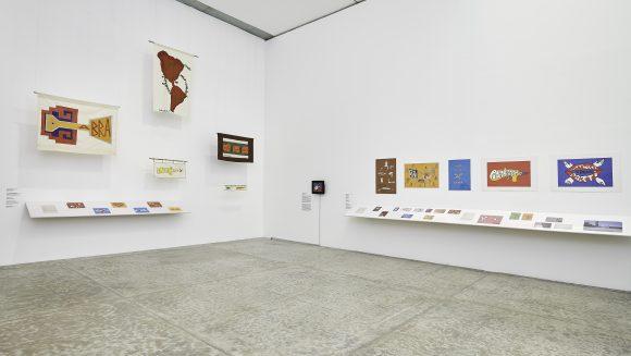 <p>Cecilia Vicuña, <em>Seehearing the Enlightened Failure</em>, kuratiert von Miguel A. López am Museo Universitario de Arte Contemporáneo – MUAC, UNAM, 2020. Courtesy MUAC</p>