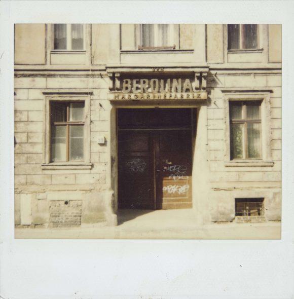 <p>Entrance to Kunst-Werke Berlin, Auguststraße 69, circa 1991; photographer unknown</p>
