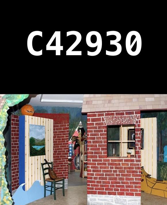 """Oben: Jurgen Ostarhild, #C42930, Screenshot von """"Seconds machine"""", © Jurgen Ostarhild. Unten: Christopher Kline, Ausstellungsansicht von """"Framework 5: O.K. – The Musical (Pre-Production)"""", insitu, Berlin, 2015, © Christopher Kline.<br>"""