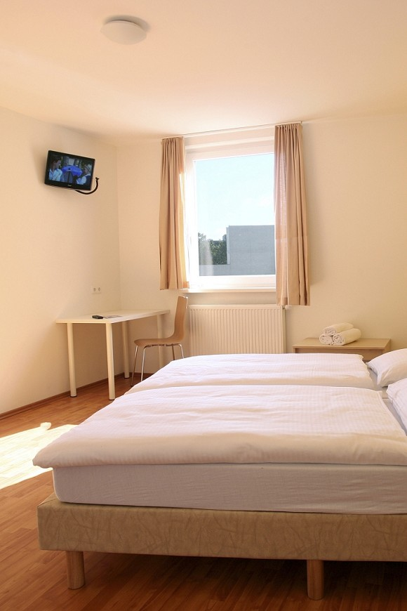 Doppelzimmer, commons.wikimedia.org, © A&O HOTELS and HOSTELS Holding AG