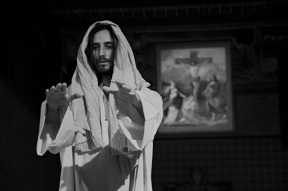Christian Jankowski, Casting Jesus, 2011, film still, Courtesy Luise Müller-Hofstede, Courtesy Lisson Gallery, London<br>