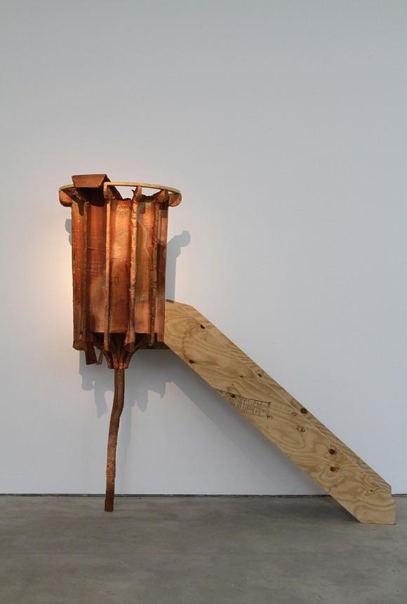Nina Rhode, Kanzel, 2009, Holz, Kupfer, 260 x 300 x 95 cm,Courtesy: Galerie Sandra Bürgel & the Artist, Foto: © Christine Kisorsy