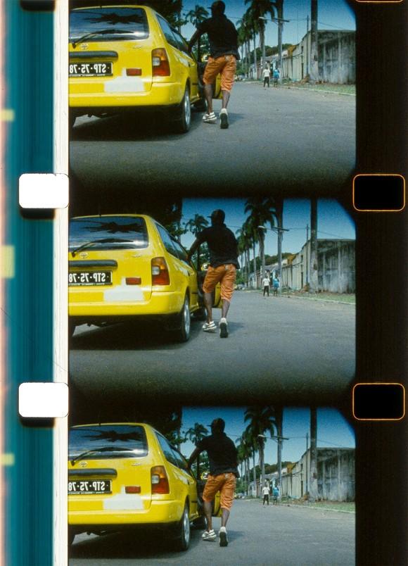 João Maria Gusmão + Pedro Paiva, Taxidriver, 2014, 16mm film, colour, no sound, 2:38 min., Courtesy the artists and Galeria Fortes Vilaça, São Paulo; Galeria Graça Brandão, Lisbon; Sies + Höke, Düsseldorf; Galleria Zero, Milan